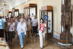 Free Tourists On Guided Tour In Hermitage Stock Images - 39667244