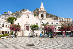 Tourists On Square Piazza 9 Aprile In Taormina Royalty Free Stock Image