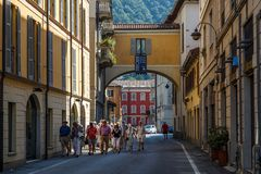 Free Tourists On The Street Of Historic Centre Of Como Town, Italy Stock Image - 159729611
