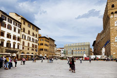 Tourists on the Piazza della Signoria Royalty Free Stock Photos