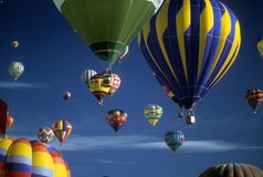 Tourists ride hot air balloons Royalty Free Stock Photos