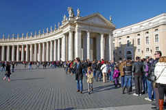 Tourists in Saint Peter's Square Royalty Free Stock Image