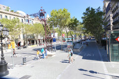 Tourists stroll and enjoy at Barcelona Stock Photography
