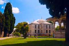 Tourists in Topkapi palace Istanbul Royalty Free Stock Photography