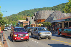 Tourists and traffic along the main road through Gatlinburg, Ten Stock Images