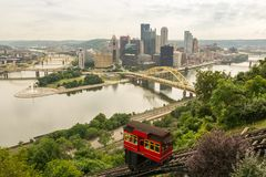 Tourists transporting via Duquesne incline to top of Mount Washington royalty free stock photos