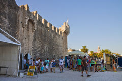 Tourists visit Kamerlengo castle in Trogir Stock Photography