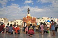 Tourists visit Suranaree statue to worship Royalty Free Stock Photos