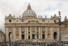 Tourists visiting St. Peter's Square Royalty Free Stock Photography