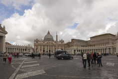 Tourists visiting St. Peter's Square Royalty Free Stock Photos