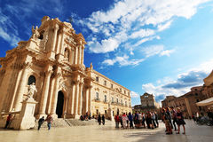 Tourists visiting Unesco's heritages of Siracusa Stock Photography