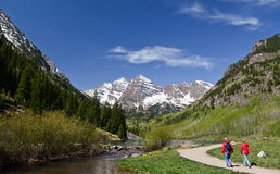 Tourists walking in Maroon Bells, Colorado Royalty Free Stock Image