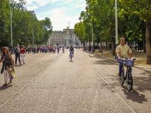 Tourists walking near Buckingham Palace and Victoria Memorial Stock Photos