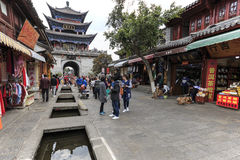 Tourists walking in the old town of Dali, the ancient kingdom of Nanzhao Stock Photos