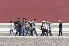 Tourists on a walkway in Palace Museum, Beijing, China Stock Photography