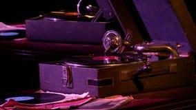 Tourne-disque de phonographe des temps de l'URSS clips vidéos