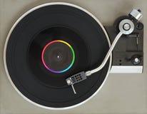 Tourne-disque de vintage avec le disque vinyle photographie stock