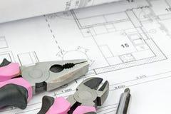 Tournevis, pinces de combinaison et pinces diagonales de coupe Image libre de droits