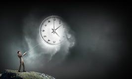 Tournez de retour le temps Image libre de droits