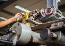 Tournez la machine dans un atelier, une partie du tour Photo stock