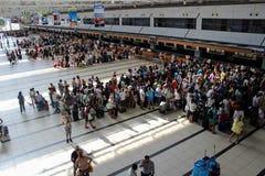 Tournez pour l'enregistrement à l'aéroport Antalya en juillet 2017 Image libre de droits