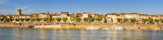 Tournus - Frankrike royaltyfri bild