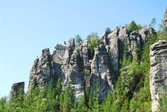 Tours arrogantes de roche de grès dans Adrspach Photo libre de droits