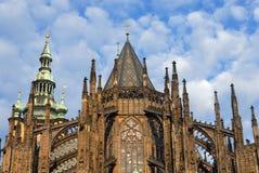 Tours d'église gothiques photo libre de droits