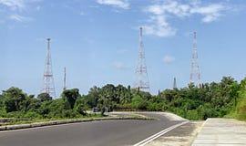 Tours d'antennes de communication par radio Photos libres de droits