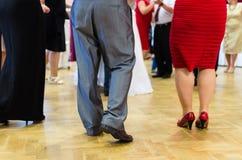 Tours de danse en jaune Photo stock