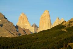 Tours de montagne de Torres del Paine Images libres de droits