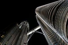 tours de petronas de nuit Photographie stock