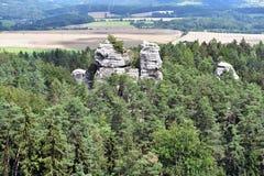 Tours de roche chez Hruboskalsko Images stock