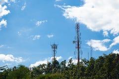 Tours de télécommunications Photos libres de droits