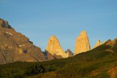 Tours de Torres del paine au lever de soleil Photo stock