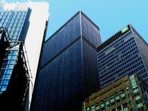 Tours du centre de banque de Toronto près de baie et de rues avant photographie stock