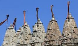 5 tours du temple Jain chez Ranakpur Images libres de droits