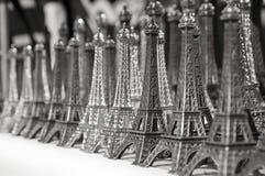 Tours Eiffel miniatures Photo stock