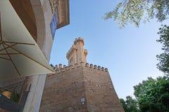 Tours en pierre de château du palais d'Almudaina Photographie stock libre de droits