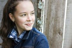 Tours et sourire de fille Images libres de droits