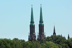 Tours jumelles de cathédrale de St Michael Arkhangel, Varsovie, Pologne images libres de droits