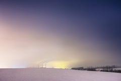 Tours thermique de centrale et de refroidissement la nuit Photos libres de droits