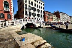 Toursits i gondole Wenecja Obraz Royalty Free