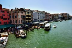 Toursits su Grand Canal fotografia stock libera da diritti