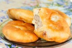 Tourtes à la viande frites par Russe Photographie stock libre de droits