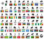 Tous dirigent de hauts cartes et drapeaux détaillés des pays africains disposés dans l'ordre alphabétique illustration libre de droits