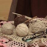 Tous pour tricoter de belles choses Images libres de droits