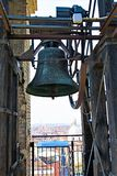 Tout droit des cloches, dans la tour de cloche de la cathédrale de St John le baptiste 2, Turin, Ligurie, Italie image stock