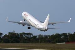 Tout le blanc Air Berlin décollent dessus Images libres de droits