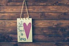 Tout que vous avez besoin est amour Photographie stock